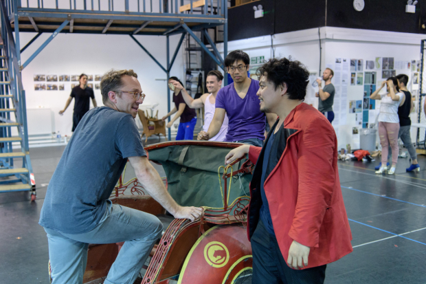 <p>Director Jean-Pierre Van Der Spuy with Red Concepcion (The Engineer) and company of <em>Miss Saigon</em></p><br />© Manuel Harlan