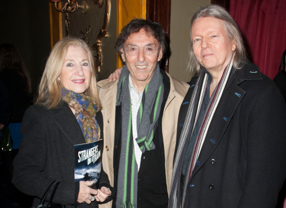 <p>Don and Shirley Black with Christopher Hampton</p><br />© Dan Wooller