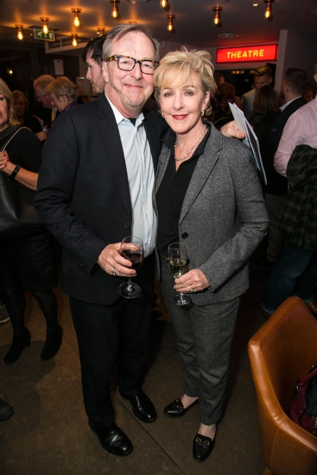 <p>Edward Hibbert and Patricia Hodge</p><br />© Dan Wooller for WhatsOnStage
