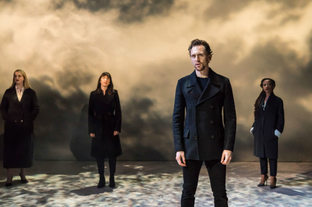 <p>Eleanor de Rohan (Guildastern), Caroline Martin (Horatia), Tom Hiddleston (Hamlet) and Ayesha Antoine (Rosencrantz)</p><br />(c) Johan Persson