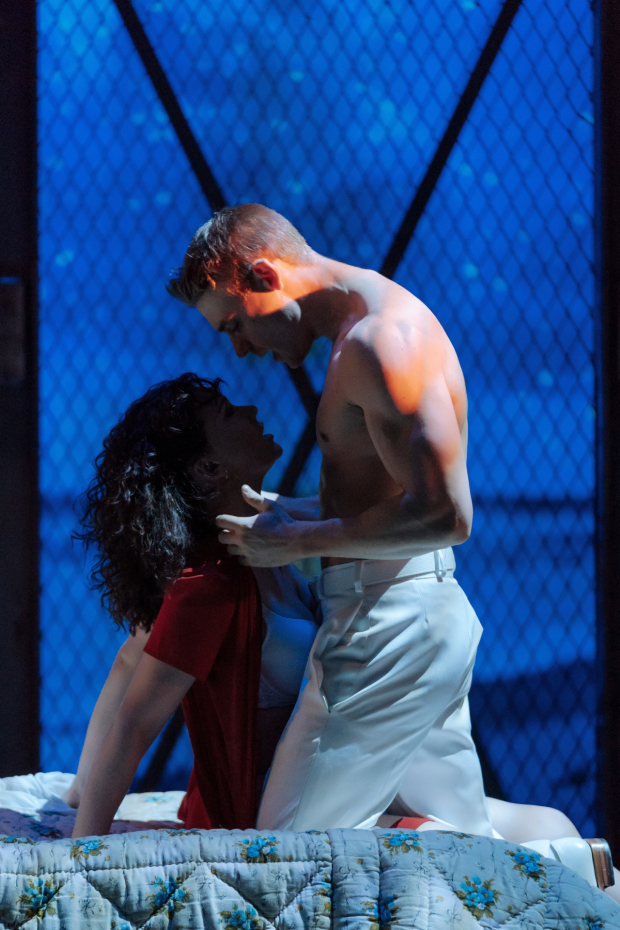 <p>Emma Williams (Paula Pokrifki) and Jonny Fines (Zack Mayo)</p><br />© Manuel Harlan