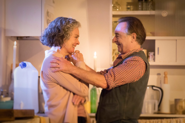 <p>Francesca Annis (Rose) and Ron Cook (Hazel) in <em>The Children</em></p><br />© Johan Persson