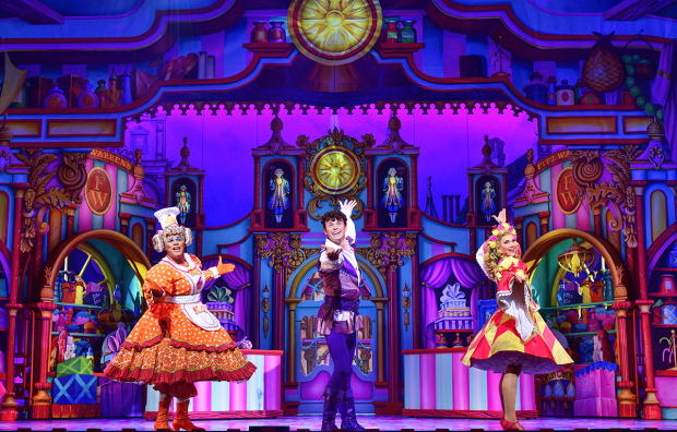 <p>Gary Wilmot (Sarah the Cook), Charlie Stemp (Dick Whittington) &amp&#x3B; Emma Williams (Alice Fitzwarren)</p><br />© Paul Coltas