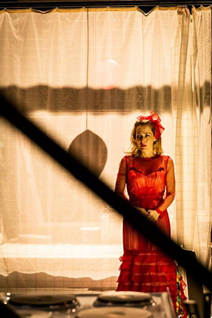 <p>Gillian Anderson as Blanche DuBois in <em>A Streetcar Named Desire</em> at the Young Vic.</p><br />© Johan Persson