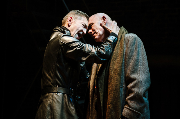 <p>Greg Hicks and Peter Guinness  in <em>Richard III</em></p><br />© Alex Brenner