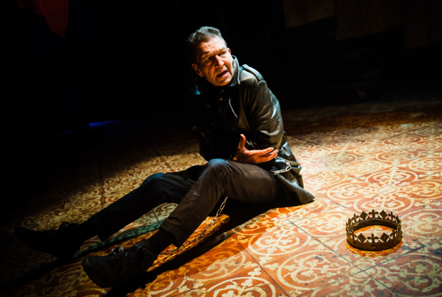 <p>Greg Hicks in <em>Richard III</em></p><br />© Alex Brenner