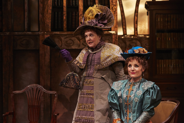 <p>Gwen Taylor as Lady Bracknell and Kerry Ellis as Gwendolen</p><br />© The Other Richard