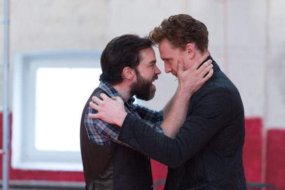 <p>Hadley Fraser and Tom Hiddleston</p><br />© Manuel Harlan