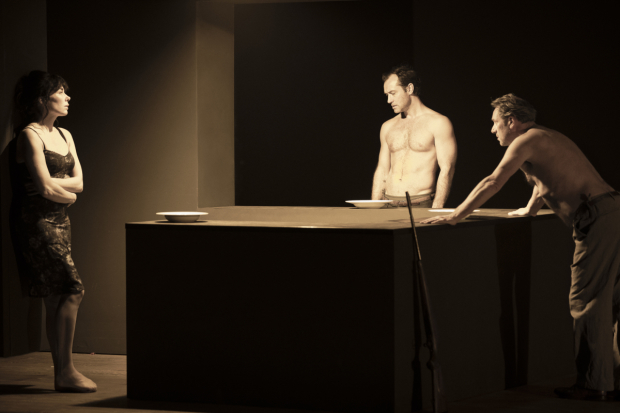 <p>Halina Reijn, Jude Law and Gijs Scholten van Aschat in the Toneelgroep&#39&#x3B;s production of <em>Obsession</em> at the Barbican</p><br />© Jan Versweyveld