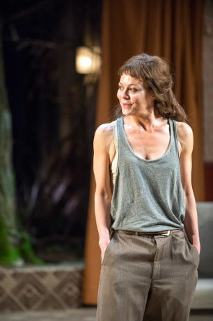 <p>Helen McCrory as Medea</p><br />© Richard Hubert Smith