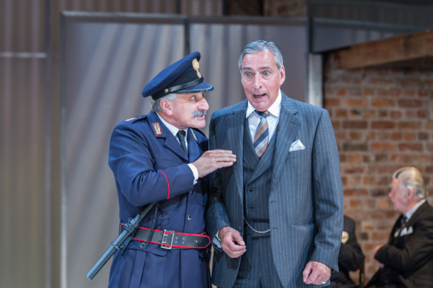 <p>Henry Goodman (Volpone) and Miles Richardson (Voltore)</p><br />(©  Manuel Harlan)