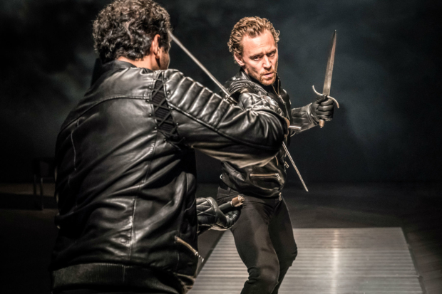 <p>Irfan Shamji (Laertes) and Tom Hiddleston (Hamlet)</p><br />(c) Johan Persson