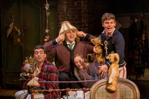 <p>James Corrigan (John), Patrick Toomey(Mr Darling), Mariah Gale (Wendy) and Sam Clemmett (Tom)</p><br />© Manuel Harlan