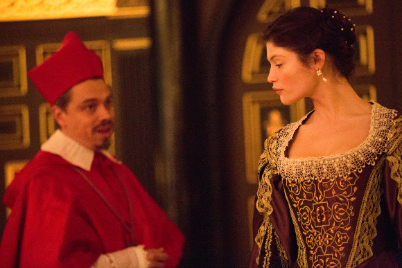 <p>James Garnon as Cardinal and Gemma Arterton as the Duchess of Malfi</p><br />© Mark Douet