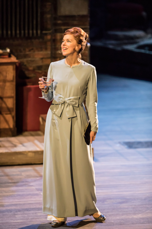 <p>Janie Dee as Phyllis Rogers Stone in <em>Follies</em> at the National Theatre</p><br />© Johan Persson