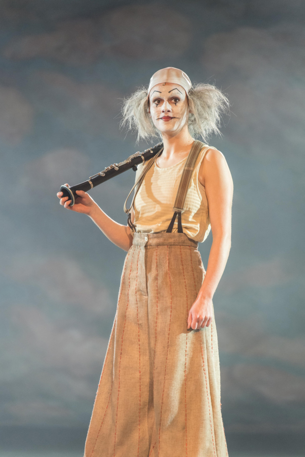 <p>Josie Dunn (Player) in <em>Rosencrantz &amp&#x3B; Guildenstern Are Dead</em></p><br />© Manuel Harlan