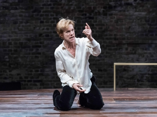 <p>Juliet Stevenson (Mary Stuart) in <em>Mary Stuart</em></p><br />© Manuel Harlan