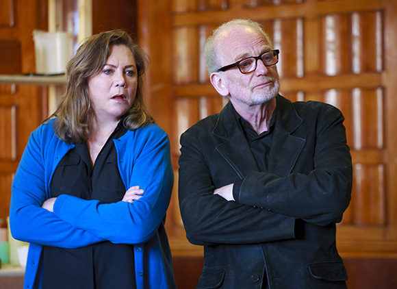 <p>Kathleen Turner (Maude Gutman) and Ian McDiarmid (Lionel Percy)</p><br />© Simon Annand