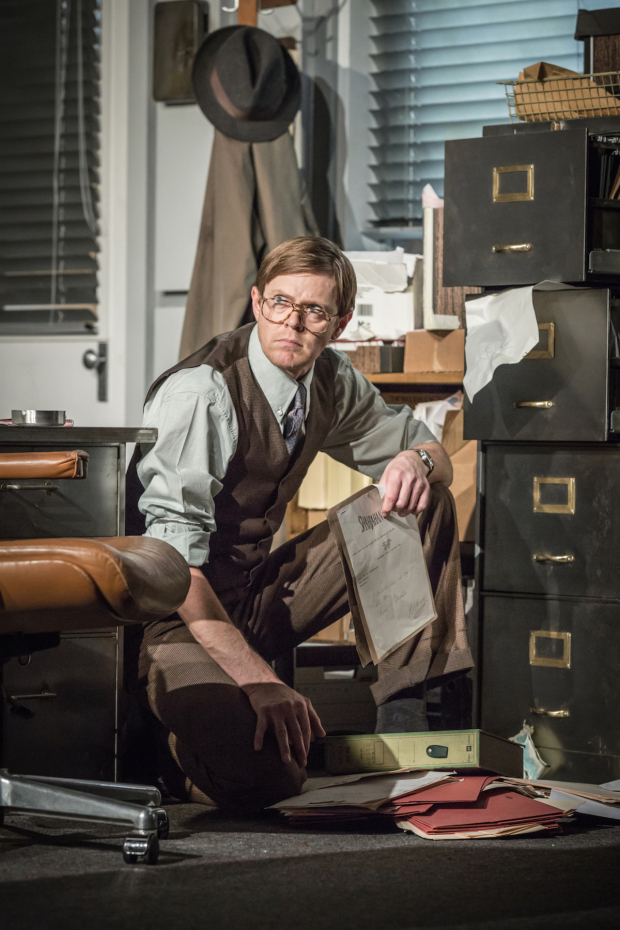 <p>Kris Marshall in <em>Glengarry Glen Ross</em></p><br />© Marc Brenner