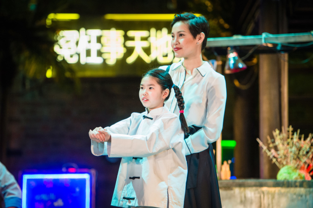 <p>l-r Emily Dao (Fei-Fei) and Wendy Kweh (Tianyun) in <em>Snow in Midsummer</em></p><br />© Ikin Yum