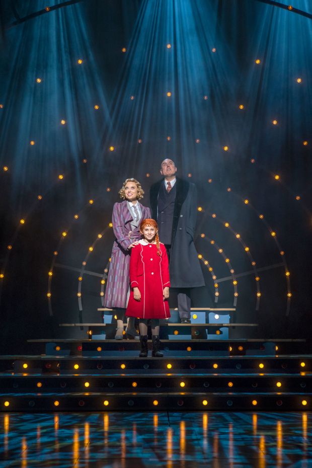 <p>l-r Holly Dale Spencer (Grace Farrell), Ruby Stokes (Annie) and Alex Bourne (Daddy Warbucks)  in <em>Annie</em></p><br />© Paul Coltas