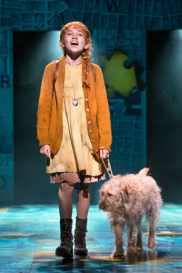 <p>l-r Ruby Stokes (Annie) and Amber (Sandy) in <em>Annie</em></p><br />© Paul Coltas