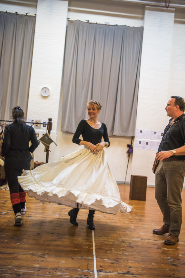 <p>Laura Pitt-Pulford (Nell Gwynn) and Clive Hayward (Thomas Killigrew) in rehearsals for <em>Nell Gwynn</em></p><br />© Tristram Kenton