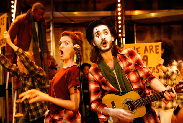 <p>Lauren Samuels and George Maguire in <em>The Buskers Opera</em></p><br />© Simon Annand