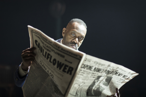<p>Lenny Henry (Arturo Ui)  in <em>The Resistible Rise of Arturo Ui</em></p><br />© Helen Maybanks