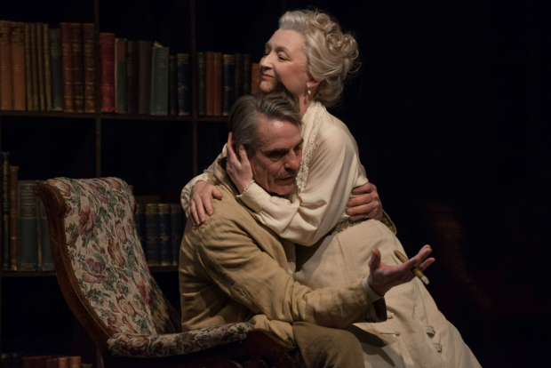 <p>Lesley Manville and Jeremy Irons in <em>Long Day&#39&#x3B;s Journey Into Night</em></p><br />© Hugo Glendinning