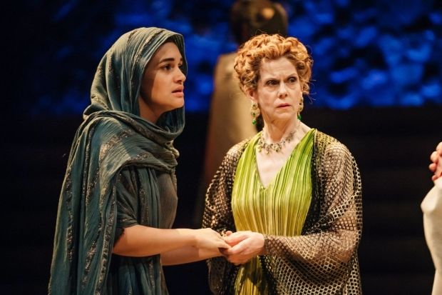 <p>Lily Nichol as Camilla and Siobhán Redmond as Terentia in <em>Imperium Part I: Conspirator</em></p><br />Ikin Yum © RSC