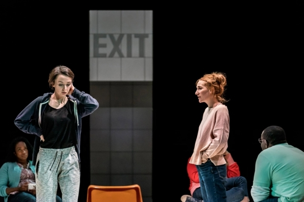 <p>Lisa Dwyer Hogg as Emma and Imogen Slaughter as Meredith</p><br />© Johan Persson