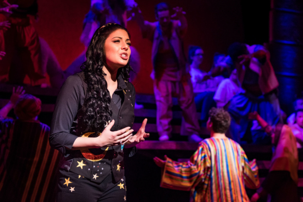 <p>Lucy Kay as The Narrator</p><br />© Mark Yeoman