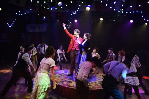 <p>Marcus Brigstocke (PT Barnum), Laura Pitt-Pulford (Charity Barnum) and the cast of <em>Barnum</em></p><br />©Nobby Clark