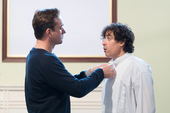 <p>Mathew Macfadyen and Stephen Mangan </p><br />© Manuel Harlan
