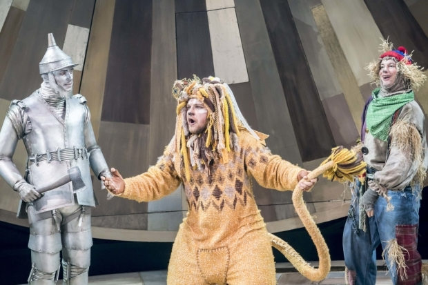 <p>Max Parker as Tin Man, Jonathan Broadbent as Lion and Andrew Langtree as Scarecrow</p><br />© Johan Persson