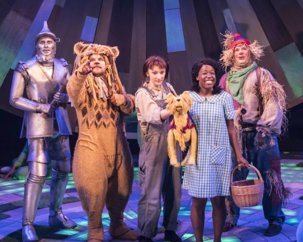 <p>Max Parker (The Tin Man), Jonathan Broadbent (The Lion), Rhiannon Wallace (Toto), Gabrielle Brooks (Dorothy) and Andrew Langtree (Scarecrow)</p><br />© Johan Persson