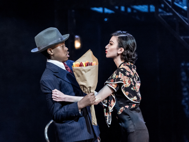 <p>Michael Matias as Bugsy Malone and Sophie Decaro as Tallulah</p><br />(©  Manuel Harlan)