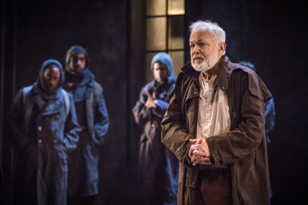 <p>Michael Pennington as Lear, plus company in <em>King Lear</em></p><br />© Marc Brenner
