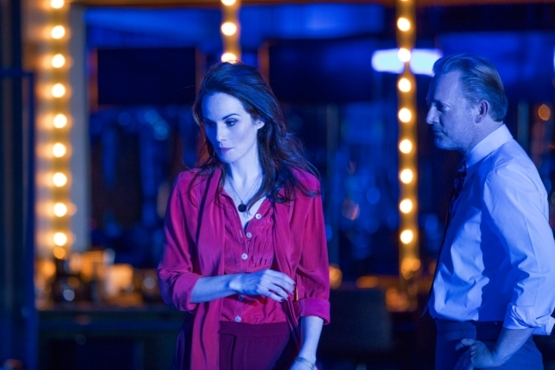 <p>Michelle Dockery and Douglas Henshall in <em>Network</em></p><br />© Jan Versweyveld