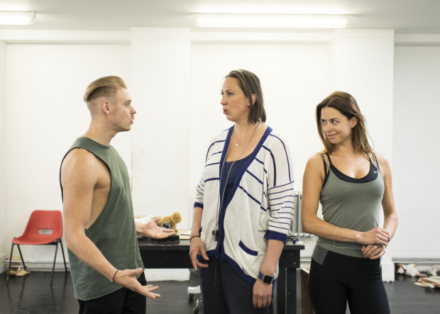 <p>Jonny Fines, Miranda Hart and Djalenga Scott in rehearsals for <em>Annie</em></p><br />© Helen Maybanks