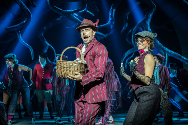 <p>Neil McDermott and the company of <em>The Wind in the Willows</em> </p><br />Marc Brenner