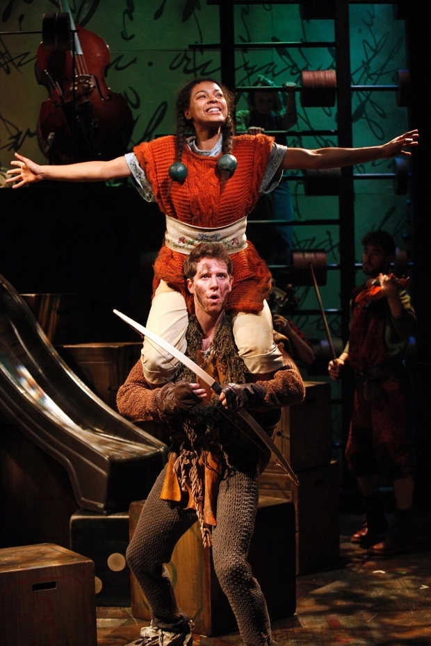 <p>Nenda Neurer and Ed MacArthur  in <em>The Borrowers</em></p><br />© Philip Tull