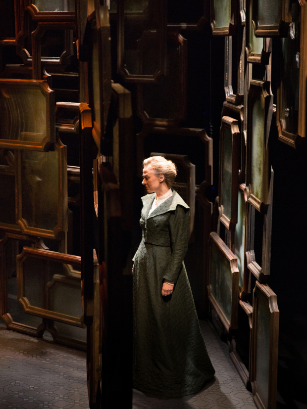 <p>Niamh Cusack as Sonya in <em>Afterplay</em> (2014)</p><br />© Mark Douet