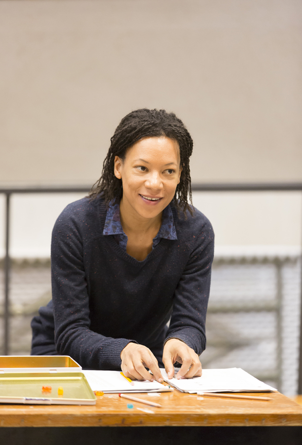 <p>Nina Sosanya (Laura Williams)</p><br />© Johan Persson