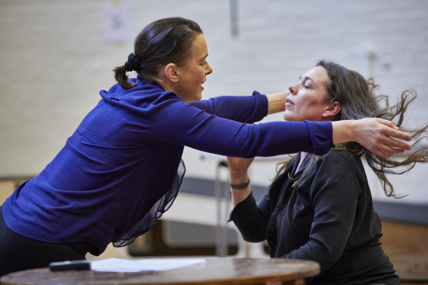 <p>Olivia Williams and Olivia Colman and Olivia Williams in rehearsals for <em>Mosquitoes</em></p><br />© Brinkhoff/Moegenburg