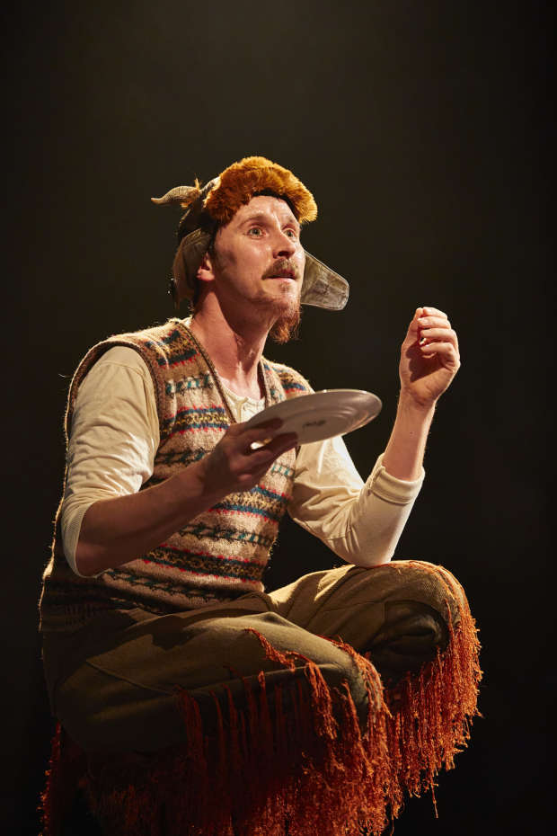 <p>Peter Caulfield as Mr Tumnus</p><br />© Brinkhoff-Moegenburg