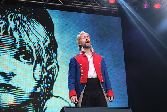 <p>Peter Lockyer from <em>Les Miserables</em></p><br />© Ben Hewis