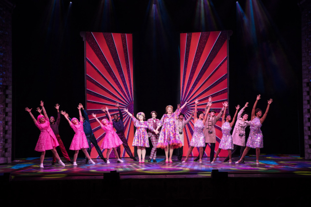<p>Rebecca Mendoza, Matt Rixon and Graham McDuff in <em>Hairspray</em></p><br />© Darren Bell