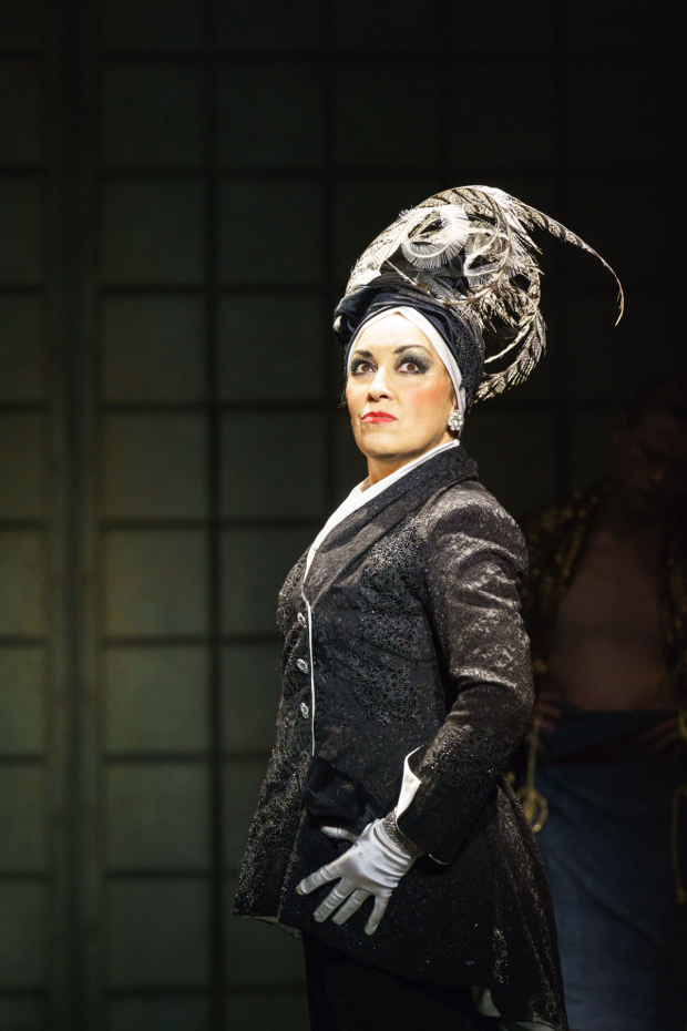 <p>Ria Jones as Norma Desmond in <em>Sunset Boulevard</em></p><br />© Manuel Harlan